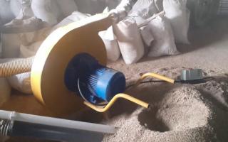 Зернодробилка Шмель – устройство и преимущества